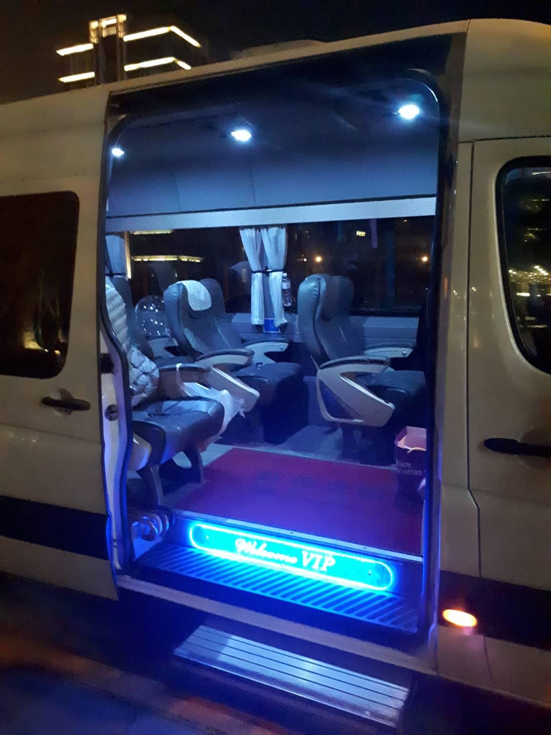 12人座包車旅遊賓士-包車旅遊車款