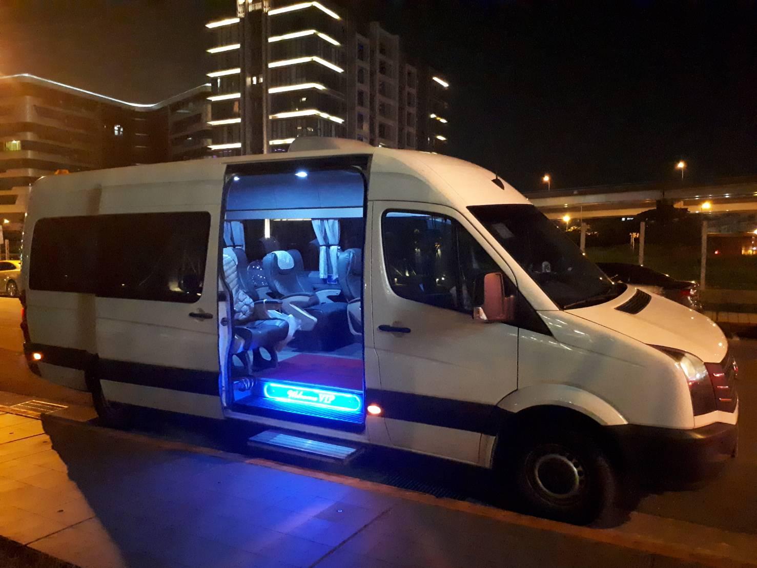 12人座包車旅遊賓士推薦