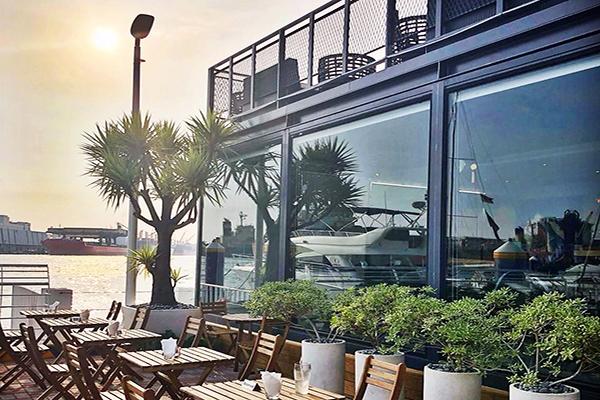 高雄包車旅遊│高雄包車懶人包│高雄包車景點推薦 SAUGA鯊加碼頭餐廳