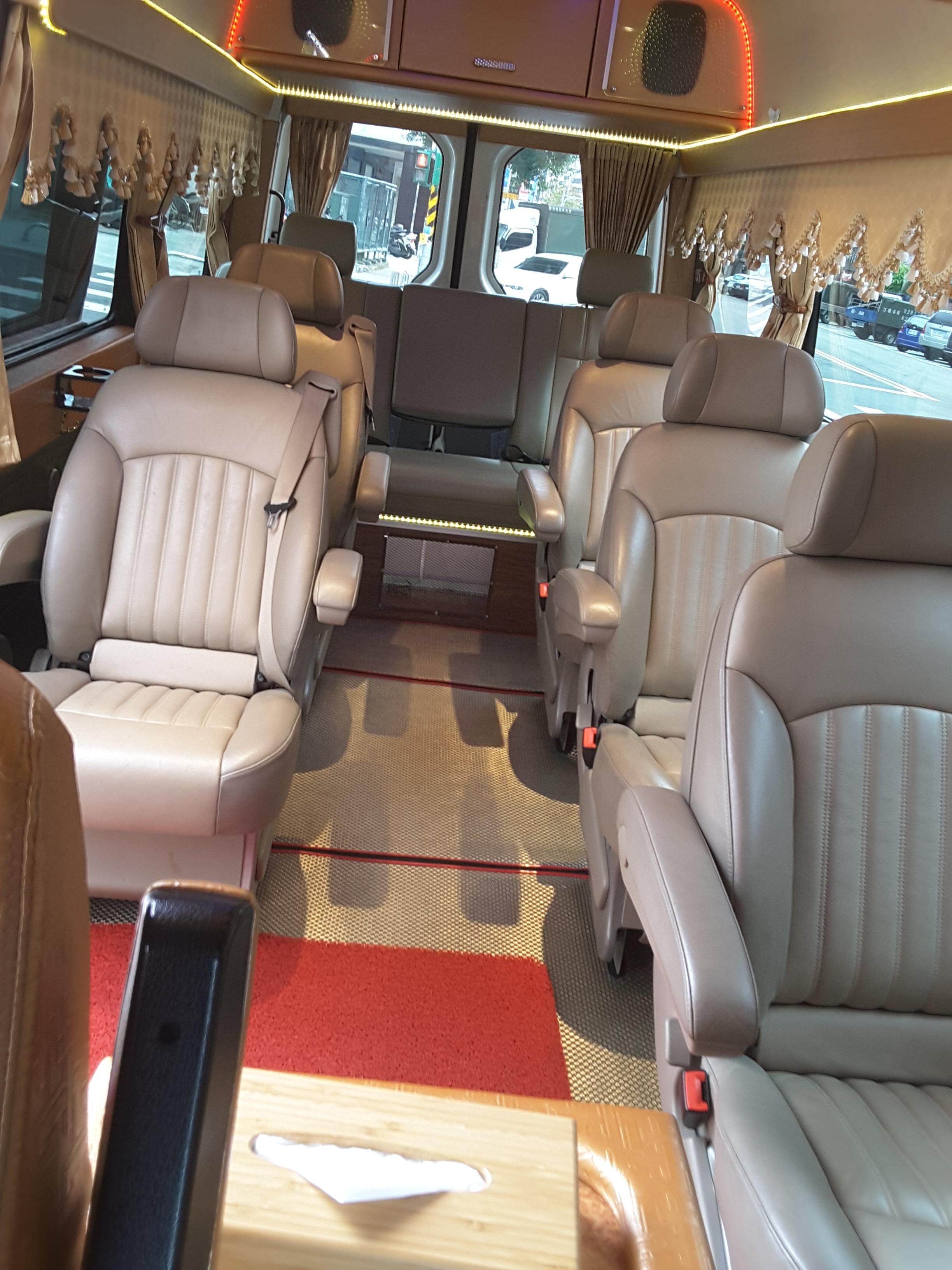 福斯大T包車旅遊,福斯包車,福斯10人座包車,保母車包車,企業包車,商務包車,大T五包車,大T包車旅遊,福斯包車旅遊