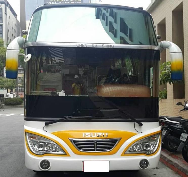 小可愛巴士包車,25人座包車,小可愛包車旅遊